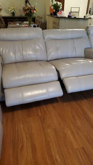 3-seat leather recliner couch for Sale in Boynton Beach, FL