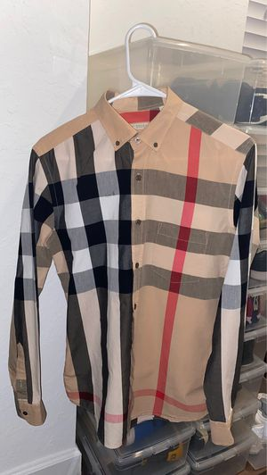 Authentic Small Burberry shirt for Sale in Orlando, FL