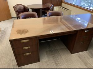 Office desks and chairs for Sale in SeaTac, WA