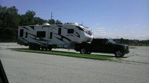 2012 41ft 3912LEV 5th Wheel!!!! for Sale in Fort Wayne, IN