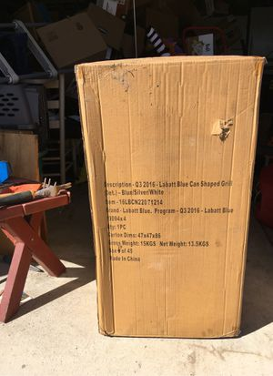 LaBatt Blue Can Shaped BBQ Grill new in box for Sale in Harrison charter Township, MI
