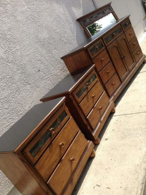 king size Dresser with mirror and 2 Night stands. Great conditions in a lot of space.REAL WOOD!!! for Sale in Colton, CA