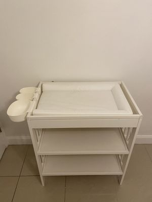 Changing table, changing pad and Racks for changing table, IKEA for Sale in Gulf Stream, FL