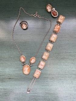 Full Set Of Vintage Shell Cameo Jewelry (925) for Sale in Pittsburgh,  PA