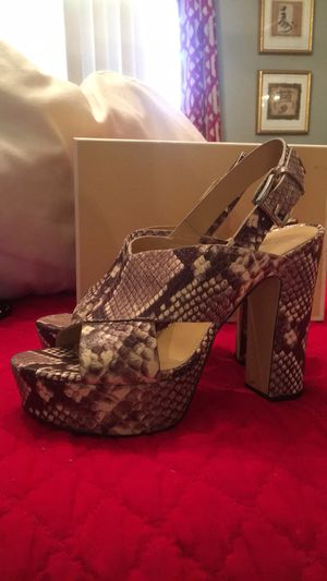 Michael kors snake print heels size 8.5 for Sale in TWN N CNTRY, FL