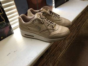 Nike air max size 8 women's for Sale in Baltimore, MD