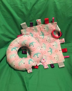 NEW Set of Taggie blankie & neck pillow for Sale in El Mirage, CA