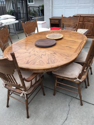 Dining Table and Chairs for Sale in Lake View Terrace, CA