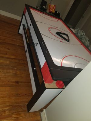 Pool table / air hockey for Sale in Ridgefield Park, NJ