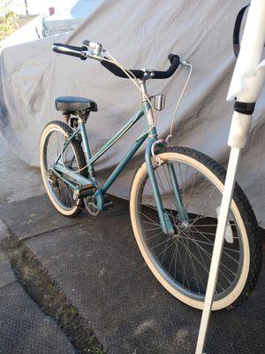 Schwinn cruiser bike works great ready to ride for Sale in Vernon, CA