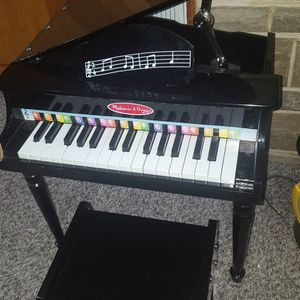 Kids Grand Piano And Seat. Melissa and Doug for Sale in Berwyn, IL