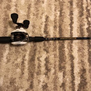 Left Handed Bait caster Really Good Rod And Reel for Sale in West Sacramento, CA