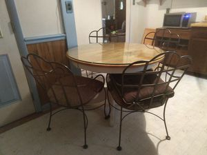 Kitchen table and 4 chairs for Sale in Chesapeake, VA