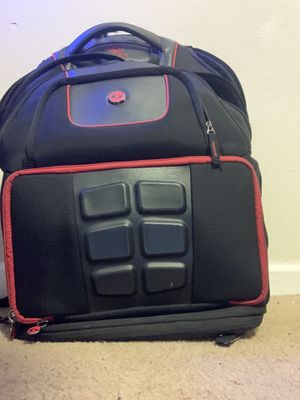6 pack fitness/ workout bag for Sale in Norfolk, VA