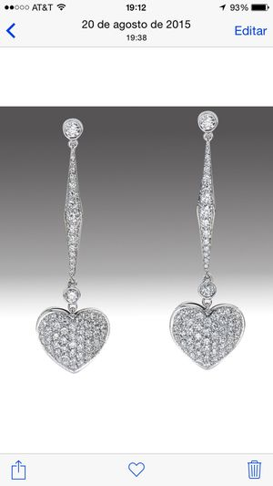 Earrings White gold 18k, whit diamonds, very good quality. for Sale in New York, NY