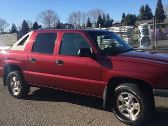 2004 Chevy Avalanche for Sale in Gig Harbor,  WA