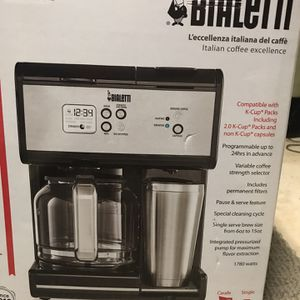 Brand new Bialetti Triple Brew Coffee Maker, 12 cup carafe, plus one cup mug capability for Keurig Capsules for Sale in Reston, VA