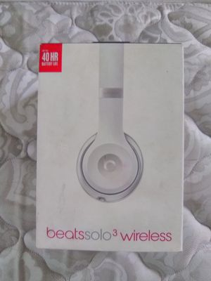 Dr Dre beats solo 3 wireless headphones for Sale in Waterford Township, MI