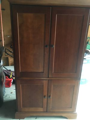 TV Stand/Hutch for Sale in Westerville, OH