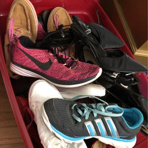 Box Of Shoes All Brands 7.5 for Sale in Miami, FL