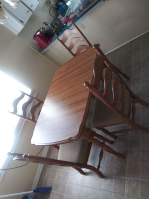 Table and chairs for Sale in NEW PRT RCHY, FL