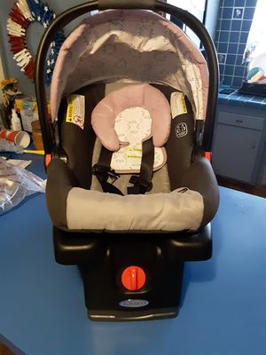 Graco infant car seat girl for Sale in Bakersfield, CA