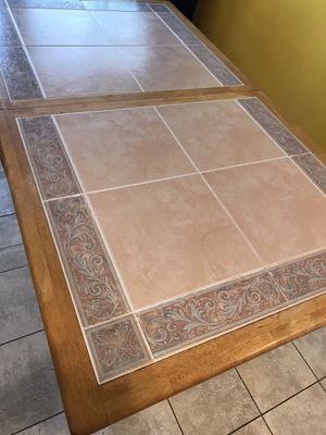 Dining table for Sale in Aspen Hill, MD