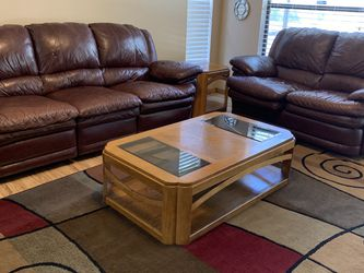 Leather Couch And Love Seat for Sale in Casselberry,  FL