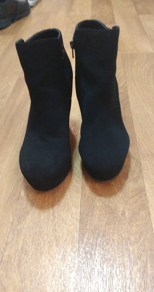 Black heels size 8 1/2 for Sale in Gladstone, OR