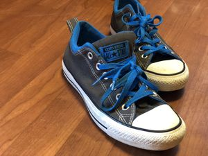 Converse chuck Taylor 2.0 women's size 7 1/2 for Sale in Fairfax, VA