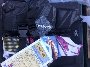 New Boat Ladies small life vest for Sale in Rialto, CA