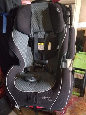 Safety first alpha omega car seat for Sale in Tulsa, OK