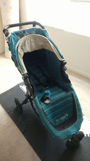 Baby Jogger City Mini GT stroller in blue color + accessories for Sale in Rockville, MD