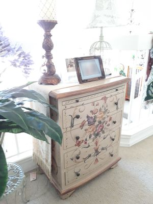 🌿🌼4 Drawer Accent Chest 🌼🌿 for Sale in Las Vegas, NV