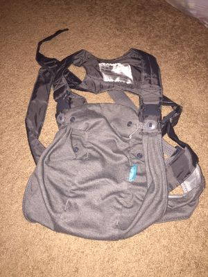 Baby carrier for Sale in Mount Vernon, OH