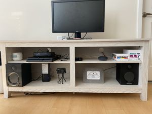 """Wayfair Sanbury TV Stand for TVs up to 65"""" for Sale in Sanford, FL"""