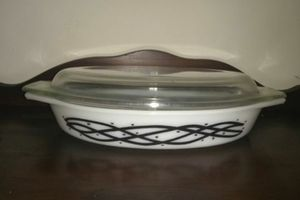 Vintage Barbwire Pyrex Casserole Dish for Sale in Nashville, TN