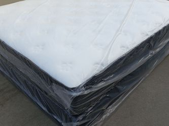 Queen Mattress And Box Spring for Sale in Fresno,  CA