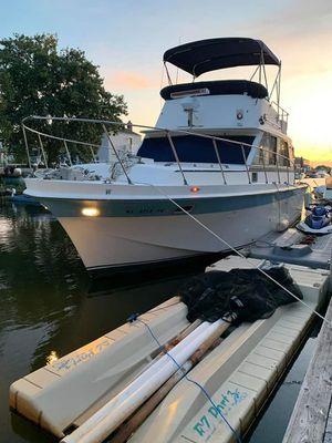 1971 uniflite 36ft yacht w/ flybridge boat for Sale in Babylon, NY