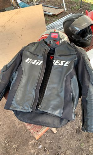 Motorcycle gear and parts to 09 r6 for Sale in New Haven, CT