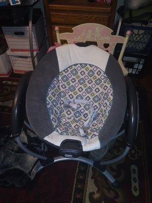 Graco baby swing. for Sale in Largo, FL
