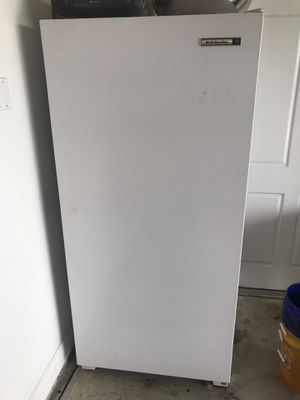 Stand up freezer for Sale in Avon Park, FL