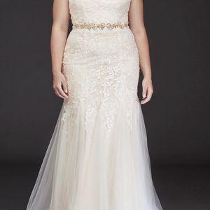 elegant NEW designer wedding dress, off-shoulder GREAT DEAL for Sale in Bonita Springs, FL