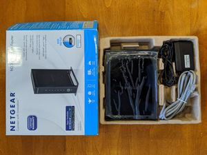 Practically New Netgear N300 300 Mbps 4-Port 10/100 Wireless N Wi-Fi Router WNR2000 v4 for Sale in Chatsworth, CA
