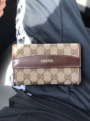 GUCCI wallet 100% Authentic for Sale in Fairfax, VA