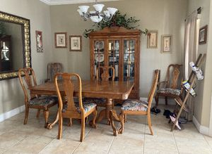China & 7 pieces dining table for Sale in Delray Beach, FL