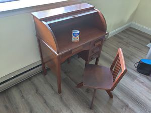 Kid Roll-Top Desk with Chair for Sale in Lynnwood, WA