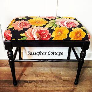 Vanity stool for Sale in Chesapeake, VA