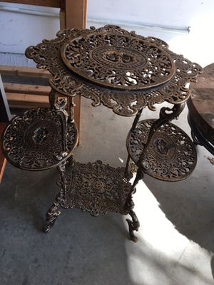 Flower/plant stand for Sale in San Leandro, CA