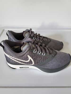 Nike Zoom Strike Women Shoes Size 5 for Sale in Perth Amboy, NJ